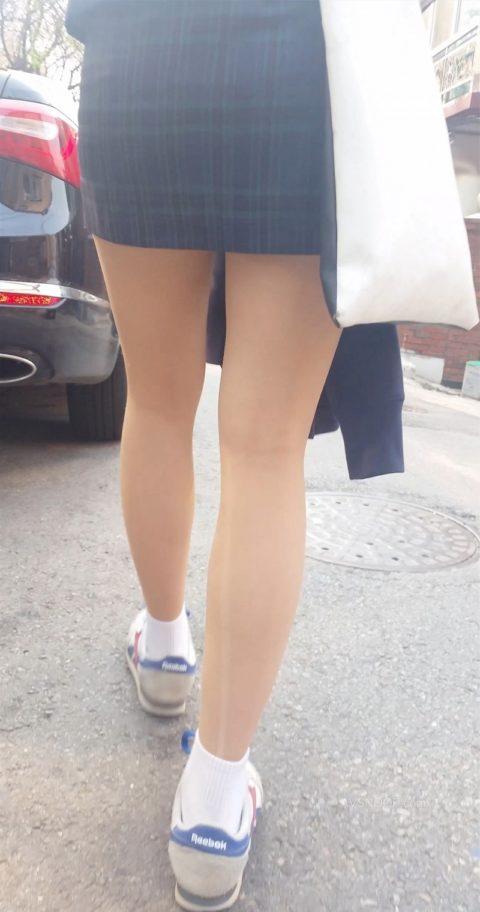 韓国の女子学生さん、ミニスカでお股を集中撮影されるwwwwww(22枚)・18枚目