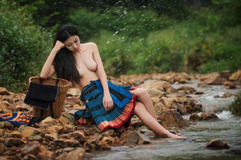 中国の少数民族の女さんの日常生活がエロいと話題に。(27枚)・23枚目