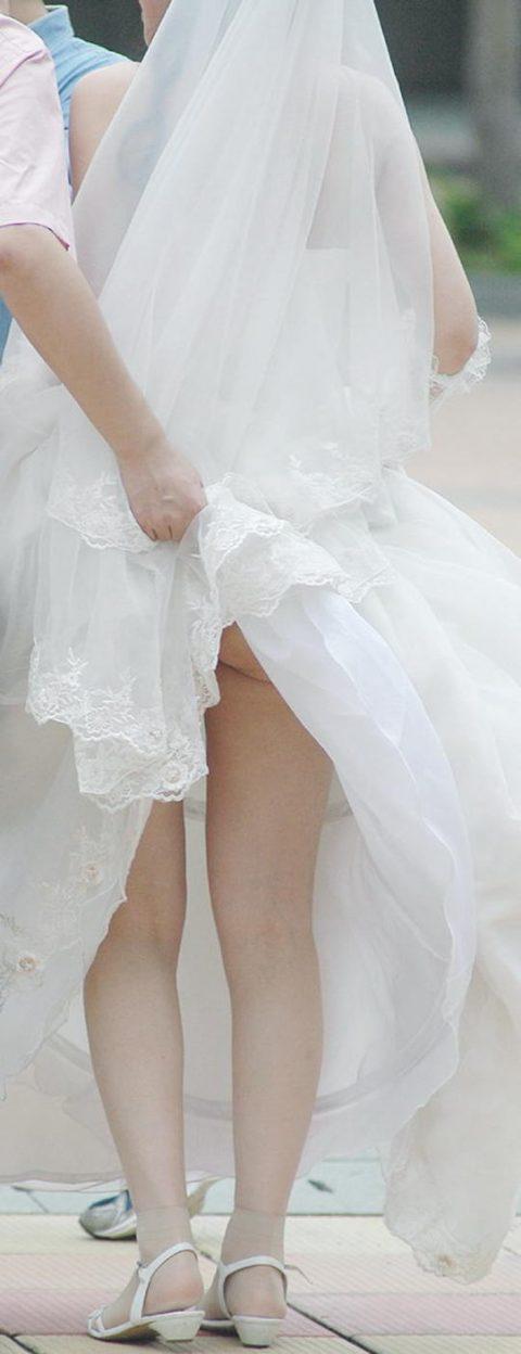 【エロ画像】ウエディングドレスの花嫁にありがちなハプニングwwwwww・24枚目