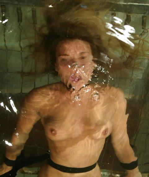 【エロ画像】素人諸君「水責め」はこうやってやるんだって見本・・・・23枚目