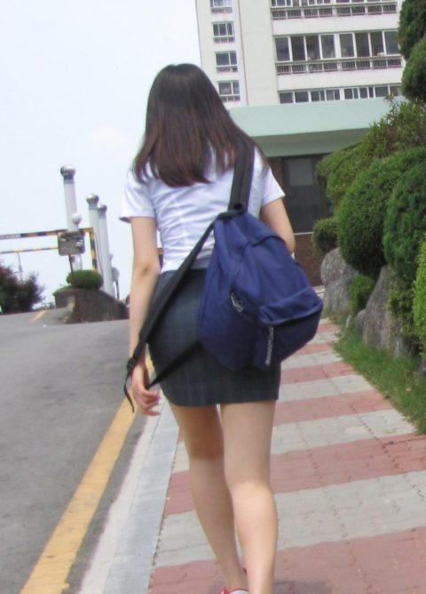 韓国の女子学生さん、ミニスカでお股を集中撮影されるwwwwww(22枚)・4枚目