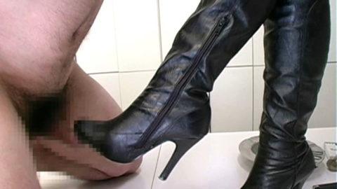 マニア向けの「足コキ」さすがにヒールは痛いやろぉwwwww(エロ画像)・14枚目