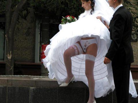 【エロ画像】ウエディングドレスの花嫁にありがちなハプニングwwwwww・9枚目