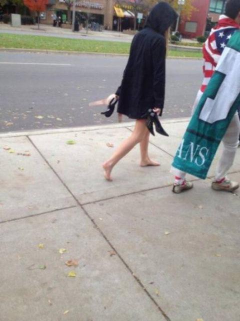 【素人】酔いつぶれた女さん、朝帰りを撮影されるwwwww・12枚目