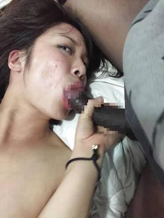 黒人のデカマラを根元まで受け入れる日本人女さん・・・・・・(エロ画像)・9枚目