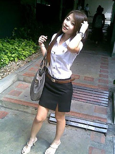 【エロ画像】タイの美人JDさん世界の男たちに魅力を提供するwwwww・1枚目