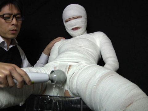 【エロ画像】怪我してボッロボロの女とセックスするのって興奮するんか??・8枚目