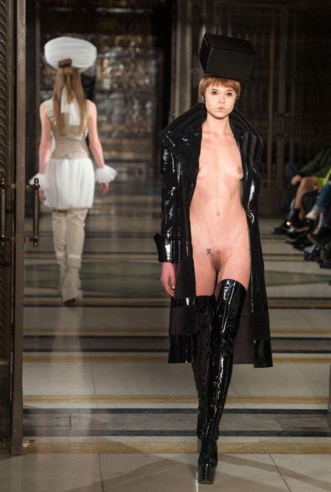 【エロGIF】ファッションショーなのに全裸ってどういう事なん?wwwwww・22枚目