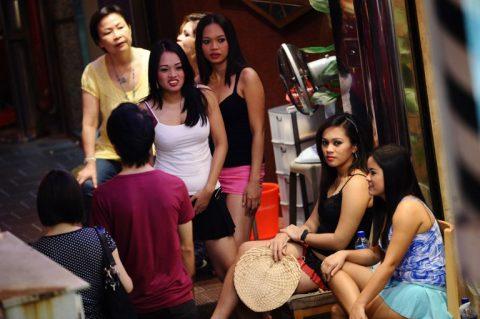 香港の売春婦の実態を撮影したエロ画像。エロレベルMAXですwwwwww・27枚目