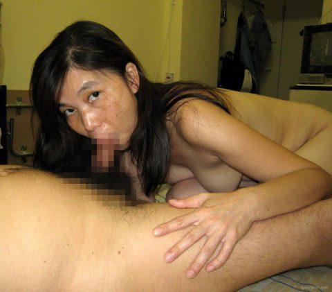 【美熟女】中国の熟れた女性たちのプレイベートショット。全然イケるwwwww・2枚目