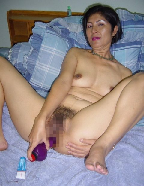 【美熟女】中国の熟れた女性たちのプレイベートショット。全然イケるwwwww・3枚目