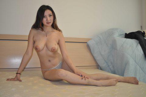 【美熟女】中国の熟れた女性たちのプレイベートショット。全然イケるwwwww・5枚目