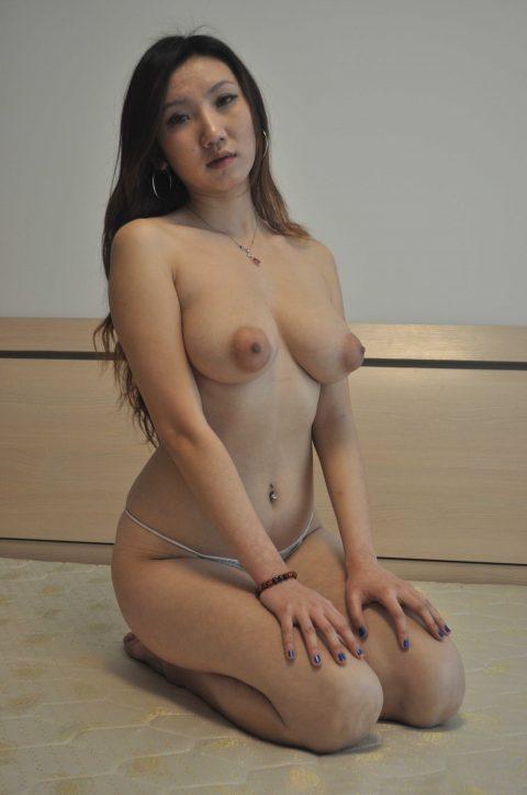 【美熟女】中国の熟れた女性たちのプレイベートショット。全然イケるwwwww・8枚目
