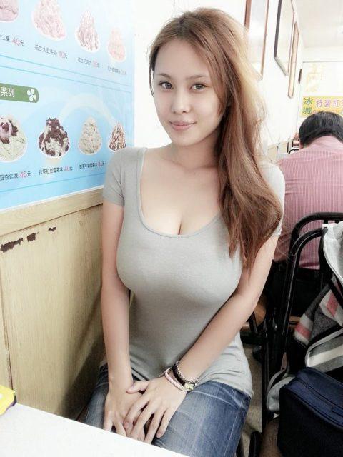 着衣巨乳の宝庫「台湾美女」のダイナミックおっぱいがこちら。(36枚)・36枚目