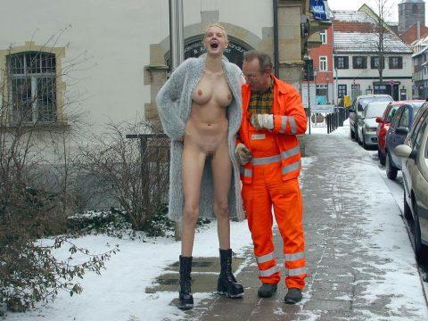 【素人】街中で遭遇した露出狂まんさんと記念撮影したでwwwwww・12枚目