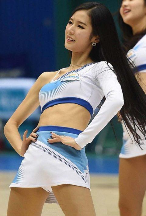 チアリーダーの韓国まんさん、世界トップクラスのボディーだと話題にwwwwww・1枚目