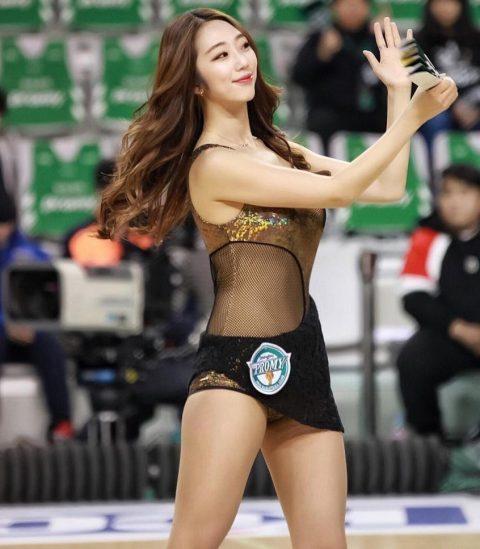 チアリーダーの韓国まんさん、世界トップクラスのボディーだと話題にwwwwww・14枚目