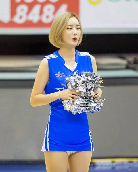 チアリーダーの韓国まんさん、世界トップクラスのボディーだと話題にwwwwww・3枚目