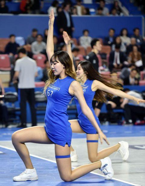 チアリーダーの韓国まんさん、世界トップクラスのボディーだと話題にwwwwww・4枚目