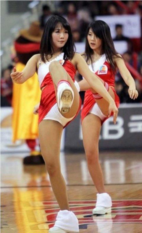 チアリーダーの韓国まんさん、世界トップクラスのボディーだと話題にwwwwww・5枚目