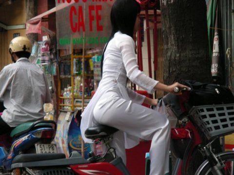 ベトナム行ったら一発でヤラれちゃうアオザイ美女たちの画像集(83枚)・35枚目