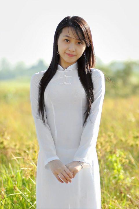 ベトナム行ったら一発でヤラれちゃうアオザイ美女たちの画像集(83枚)・50枚目