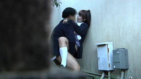 【青姦】金無しバカップル外でヤッてしっかり撮影されるwwwww(57枚)・27枚目