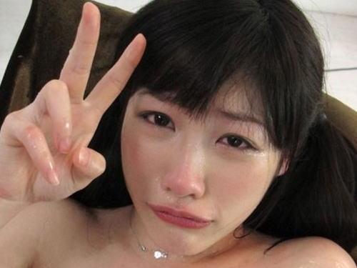 【※閲覧注意】AVに堕ちたまんさんが終始号泣してるシーン、、これマジキチだろまじで。。。(画像あり)