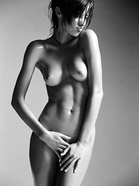 ヌードデッサンとかいう芸術という名のエロがこちら。。美大サイコーやろwwwww・68枚目