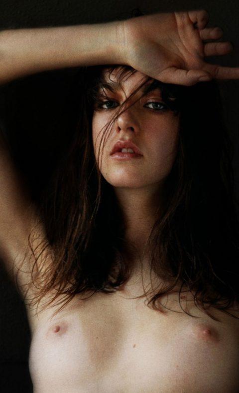ヌードモデルのエロ画像集。「思ったより恥ずかしい…」って表情がいいwwwwww(148枚)・62枚目