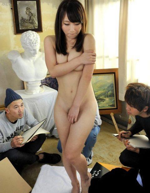 ヌードモデルのエロ画像集。「思ったより恥ずかしい…」って表情がいいwwwwww(148枚)・2枚目
