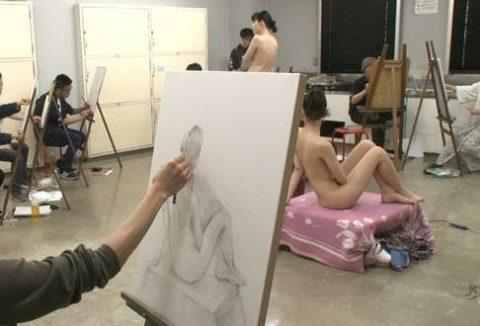 ヌードモデルのエロ画像集。「思ったより恥ずかしい…」って表情がいいwwwwww(148枚)・40枚目