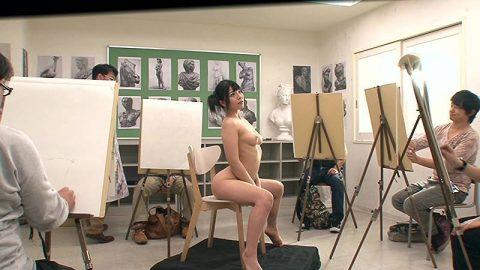 ヌードモデルのエロ画像集。「思ったより恥ずかしい…」って表情がいいwwwwww(148枚)・47枚目