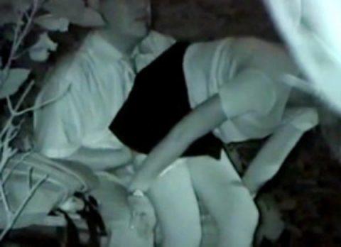 【青姦】金無しバカップル外でヤッてしっかり撮影されるwwwww(146枚)・107枚目
