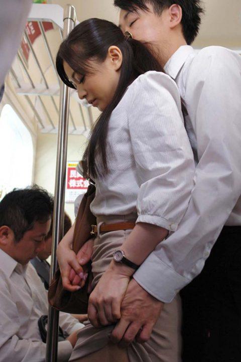 【JK痴漢】通勤電車でJK見てムラムラしてるやつはこれ見て我慢しとけwwwwww(124枚)・48枚目